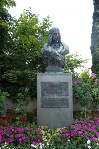 Büste Annette von Droste-Hülshoff