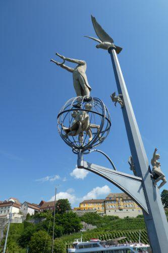 Sehenswürdigkeiten in Meersburg: Magische Säule von Peter Lenk