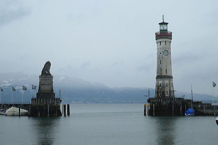Sehenswürdigkeiten am Bodensee: Hafeneinfahrt Lindau